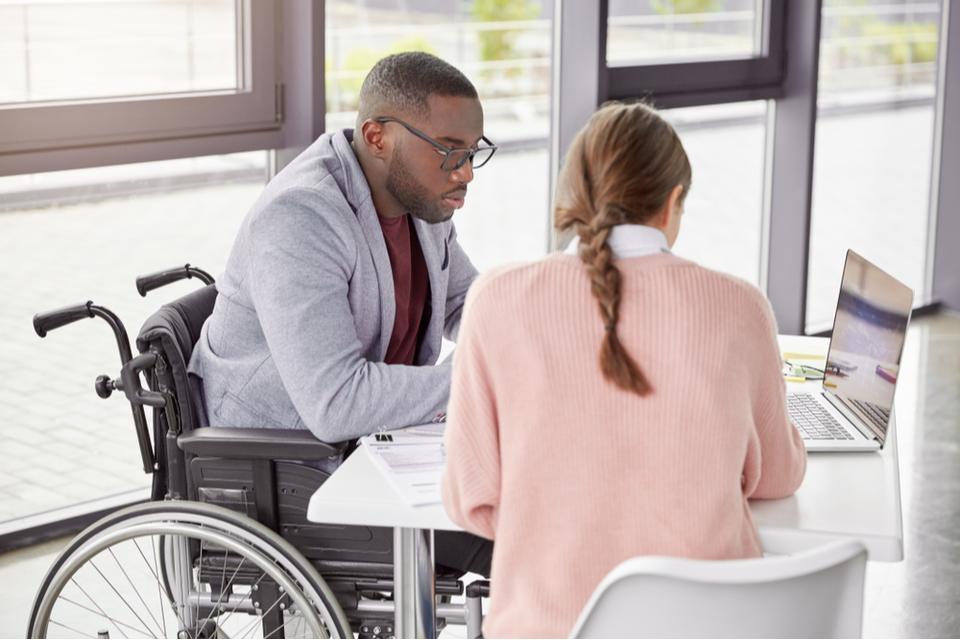 Aide à l'embauche des travailleurs handicapés : comment en bénéficier ?